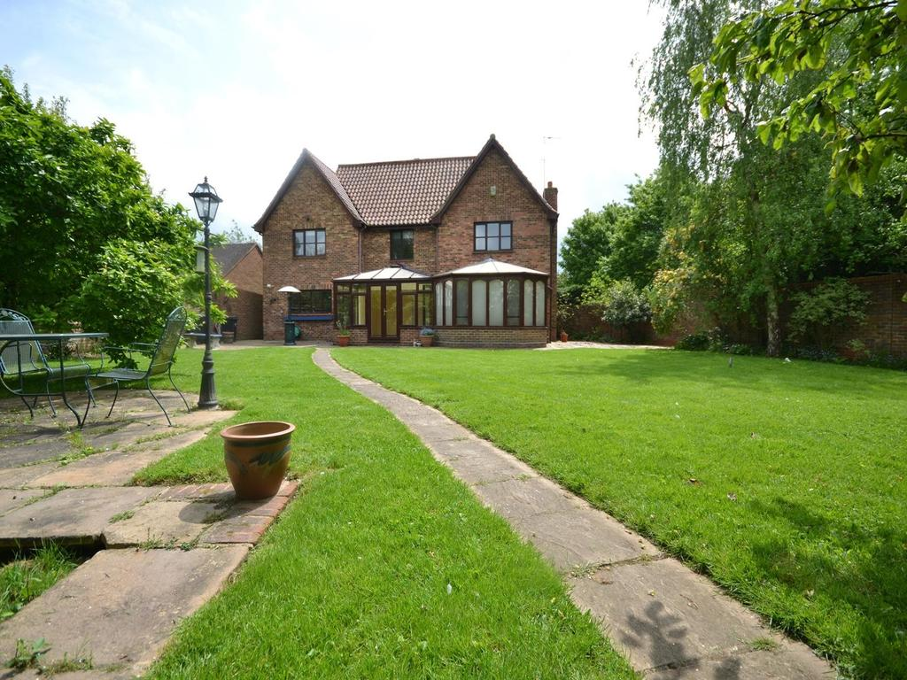 5 Bedrooms Detached House for sale in Mill Field, Barnston, Dunmow, Essex, CM6