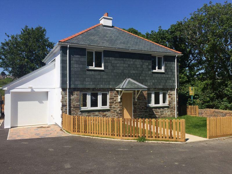 4 Bedrooms Detached House for sale in Newbridge, Truro