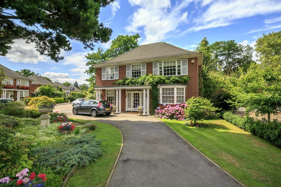 5 Bedrooms Detached House for sale in Dickens Close, Petersham TW10