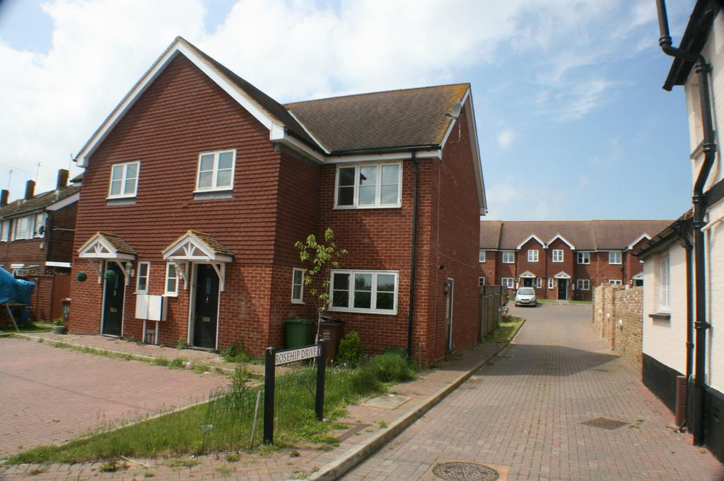 4 Bedrooms Town House for sale in Stoke Road