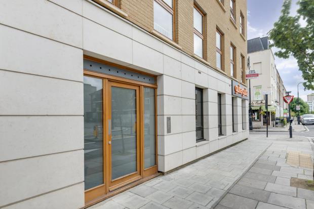 2 Bedrooms Flat for sale in Arlington Road, Camden, London, NW1