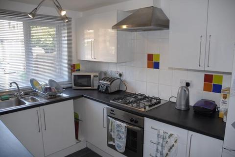6 bedroom terraced house to rent - Russell Road, Forest Fields, NG7