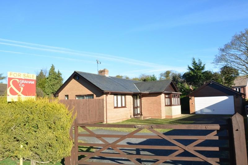 3 Bedrooms Detached Bungalow for sale in Red Post Lane, Weyhill, Andover