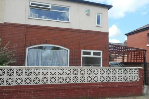3 bedroom semi-detached house to rent - Murdock Avenue,  Preston, PR2