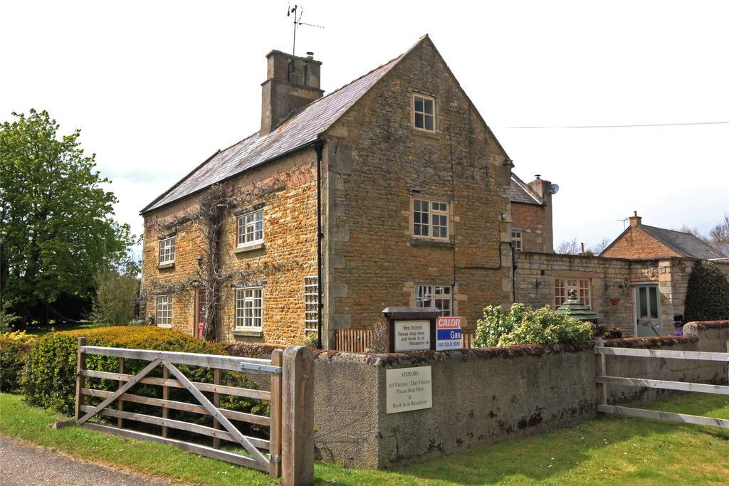 5 Bedrooms Detached House for sale in Spring Lane, Folkingham, NG34