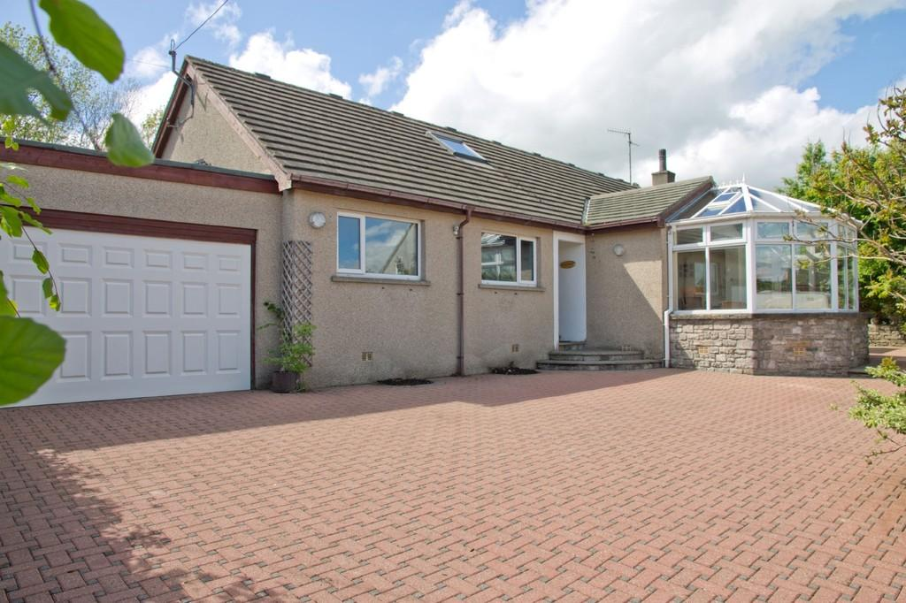 5 Bedrooms Detached Bungalow for sale in Rowan Bank, Longwood, Endmoor, Kendal, Cumbria, LA8 0ES