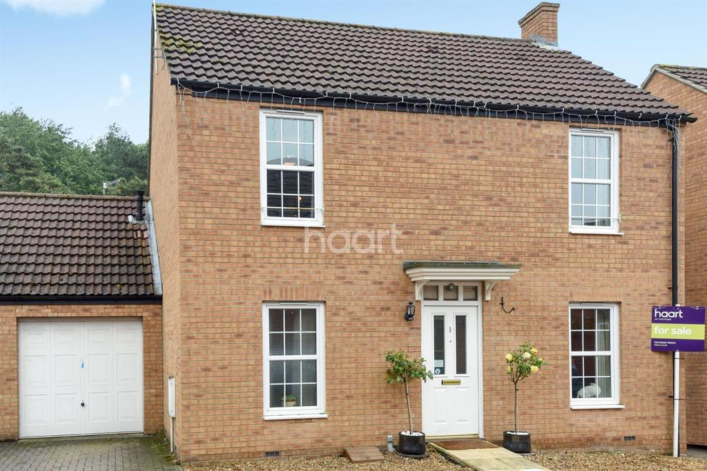 3 Bedrooms Detached House for sale in Birch Covert, Thetford
