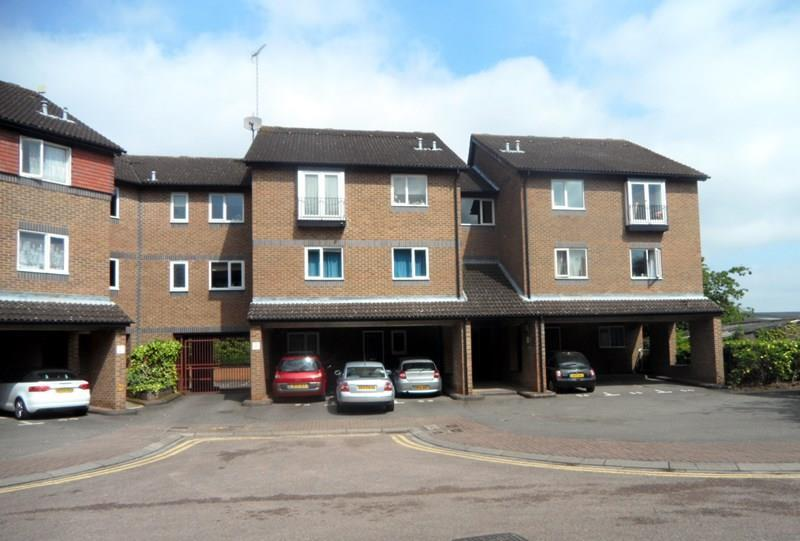 2 Bedrooms Flat for sale in Abbeyfields Close, London NW10