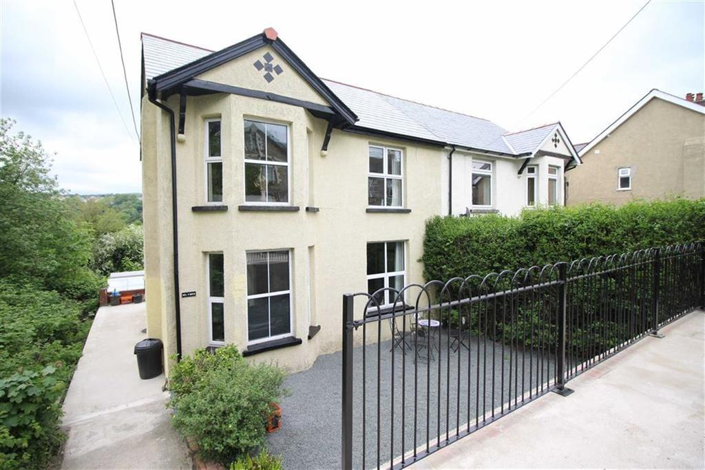 3 Bedrooms Semi Detached House for sale in Penygraig Terrace, Pontypool