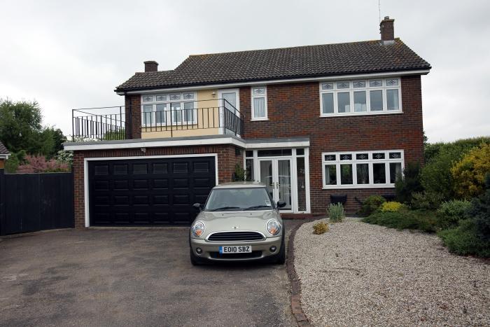 4 Bedrooms Detached House for sale in BLACKHORSE LANE, NORTH WEALD CM16