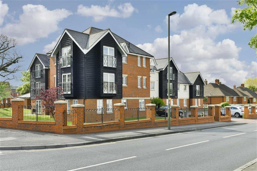 2 Bedrooms Flat for sale in Ashdown Place, Ewell, Surrey
