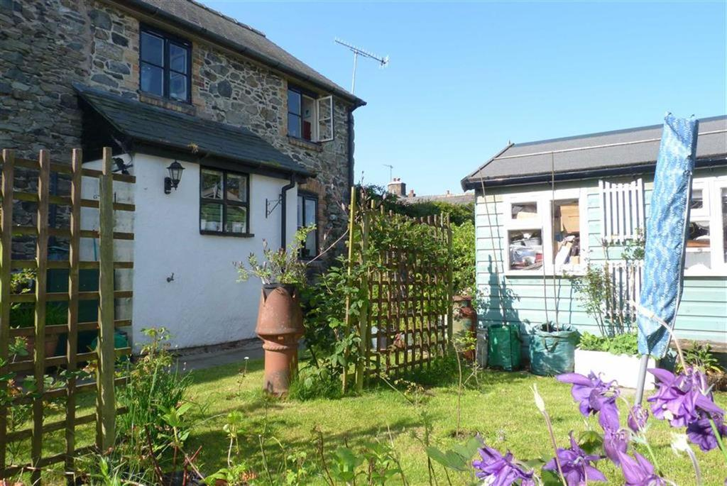 2 Bedrooms Country House Character Property for sale in Penybontfawr, SY10