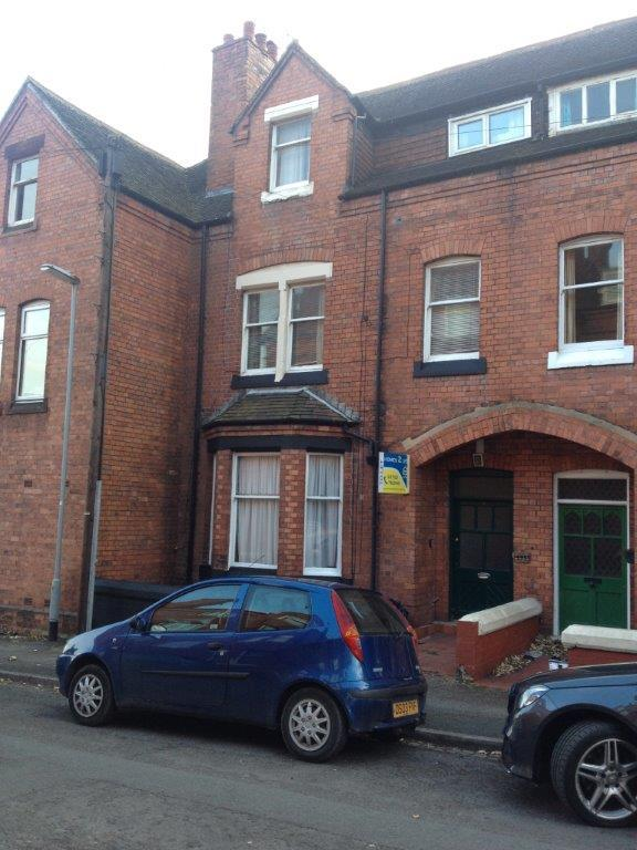 1 Bedroom Flat for sale in NORTHCOTE PLACE, NEWCASTLE, STAFFORDSHIRE ST5