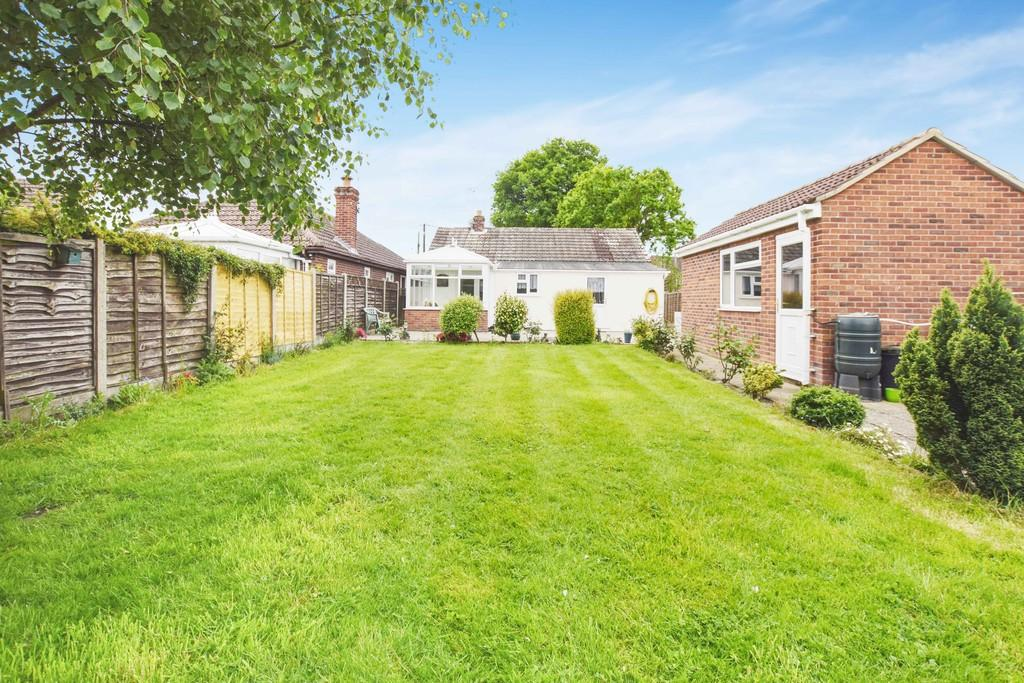 3 Bedrooms Detached Bungalow for sale in New Town Road, Thorpe-le-Soken, CO16 0ER