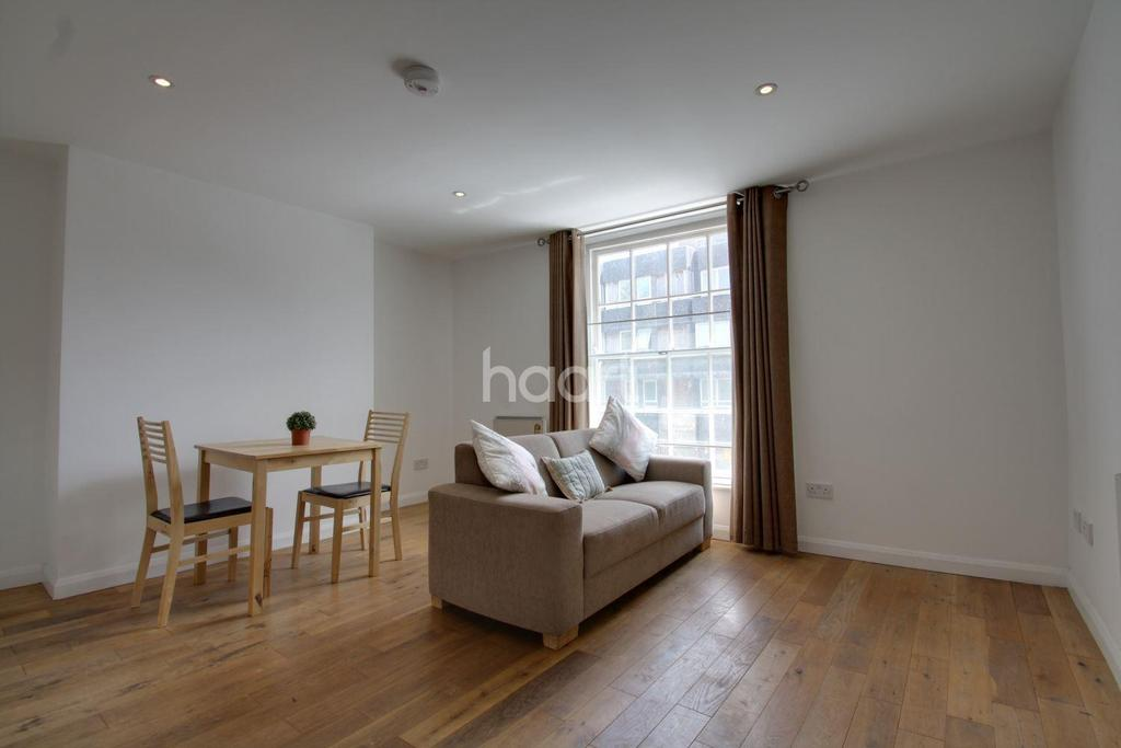 1 Bedroom Flat for sale in High Street