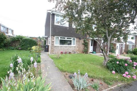 3 bedroom semi-detached house to rent - Chelwood Drive, Taunton