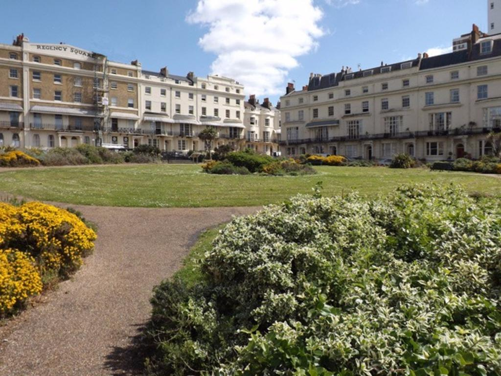 5 Bedrooms Terraced House for sale in Regency Square Brighton East Sussex BN1