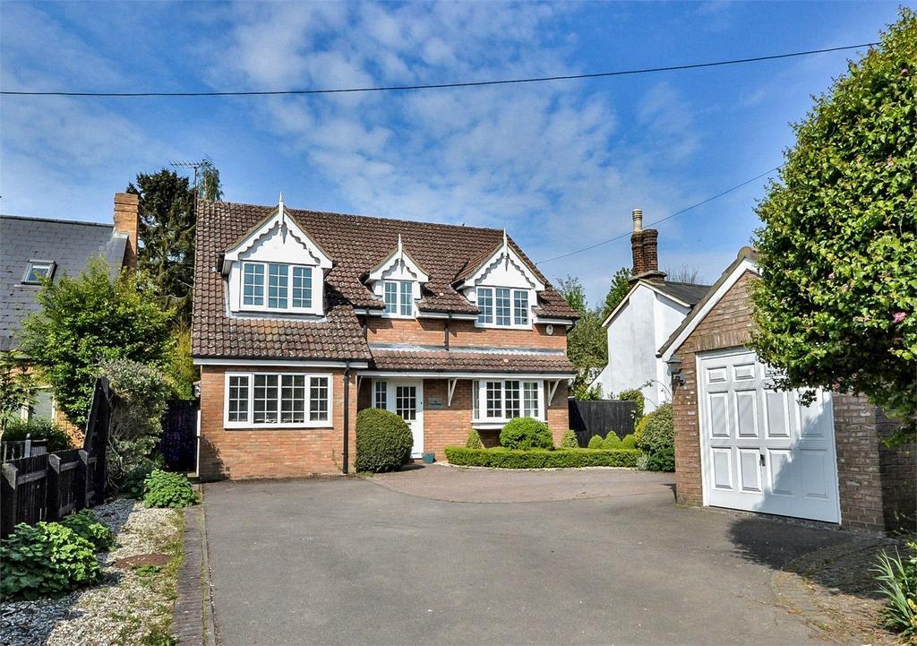 4 Bedrooms Detached House for sale in The Hawthorns, London Road, Newport, Nr Saffron Walden