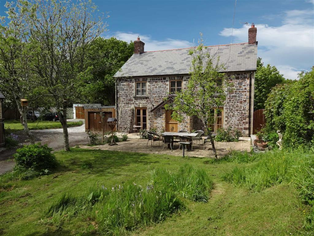 3 Bedrooms Detached House for sale in Kings Nympton, Umberleigh, Devon, EX37