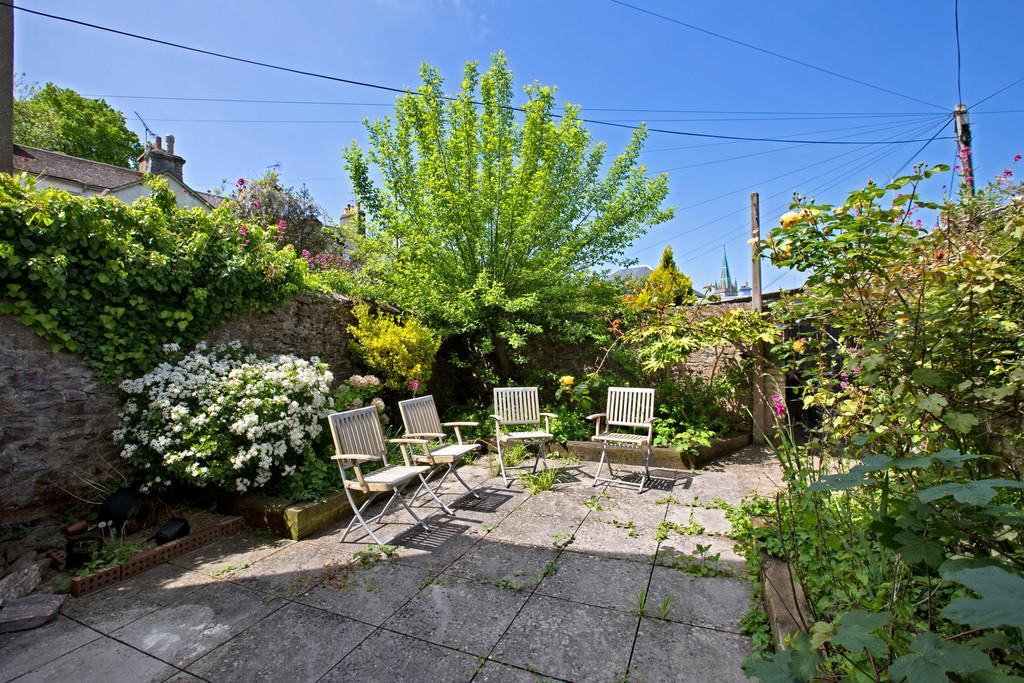 3 Bedrooms Terraced House for sale in St Pauls Road, Newton Abbot