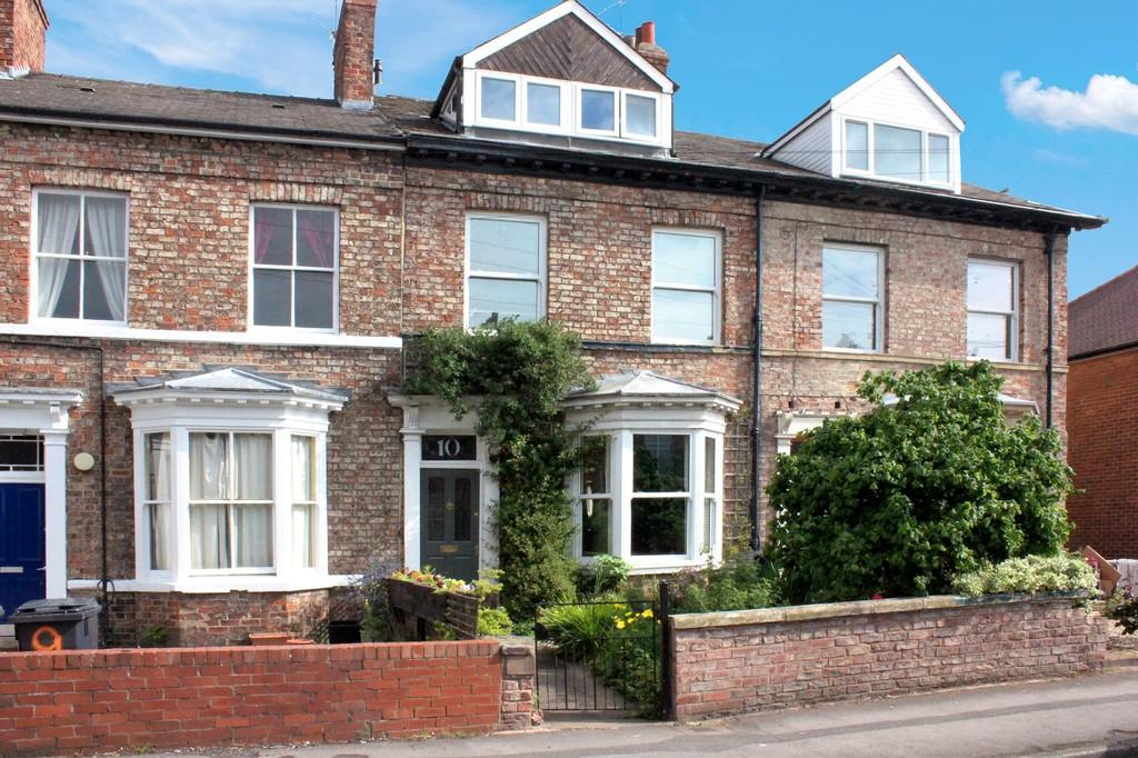 4 Bedrooms Terraced House for sale in 10 Melbourne Street York YO10 5AQ