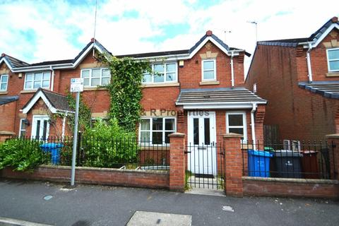 3 bedroom semi-detached house to rent - Tomlinson Street Hulme, Manchester. M15 5FW.