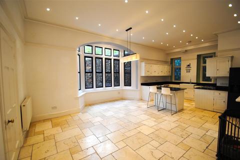 4 bedroom semi-detached house to rent - The Cloisters, Cranbrook Road, Bristol