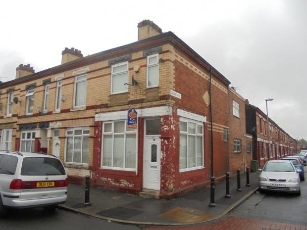 3 Bedrooms End Of Terrace House for sale in Hemmons Road, Manchester, M12