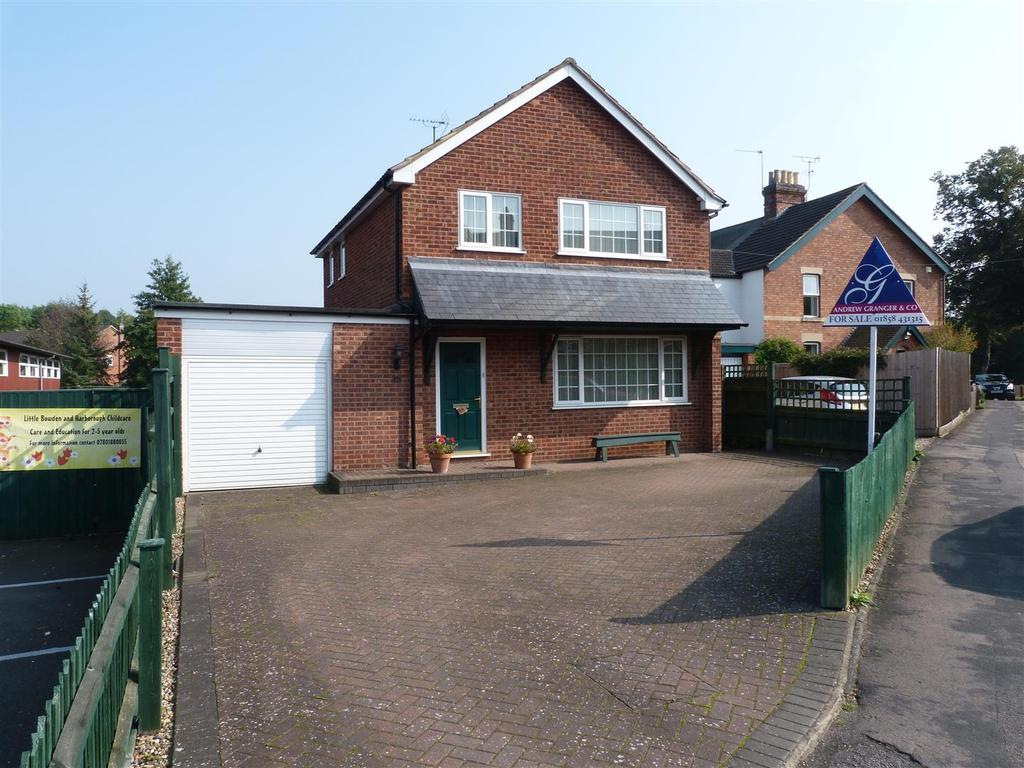3 Bedrooms Detached House for sale in Rectory Lane, Little Bowden