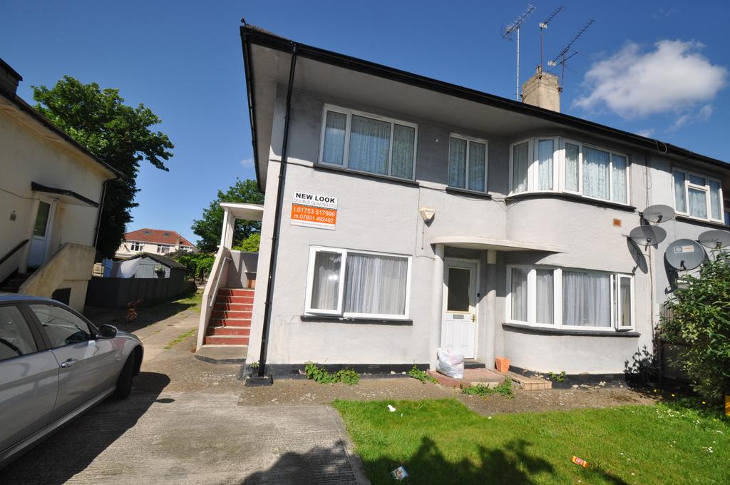 2 Bedrooms Maisonette Flat for sale in Tuns Lane, SLOUGH SL1