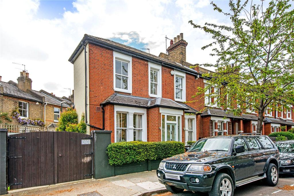 3 Bedrooms Semi Detached House for sale in Cleveland Gardens, Barnes, London, SW13