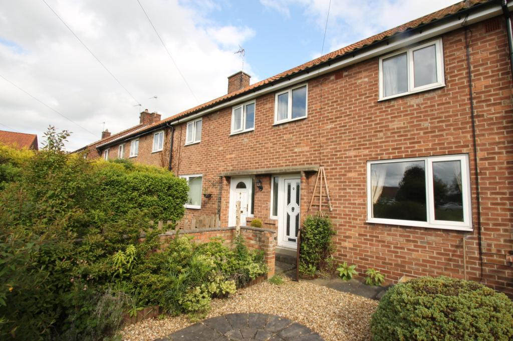 3 Bedrooms Terraced House for sale in Pine Walk, Ripon, North Yorkshire