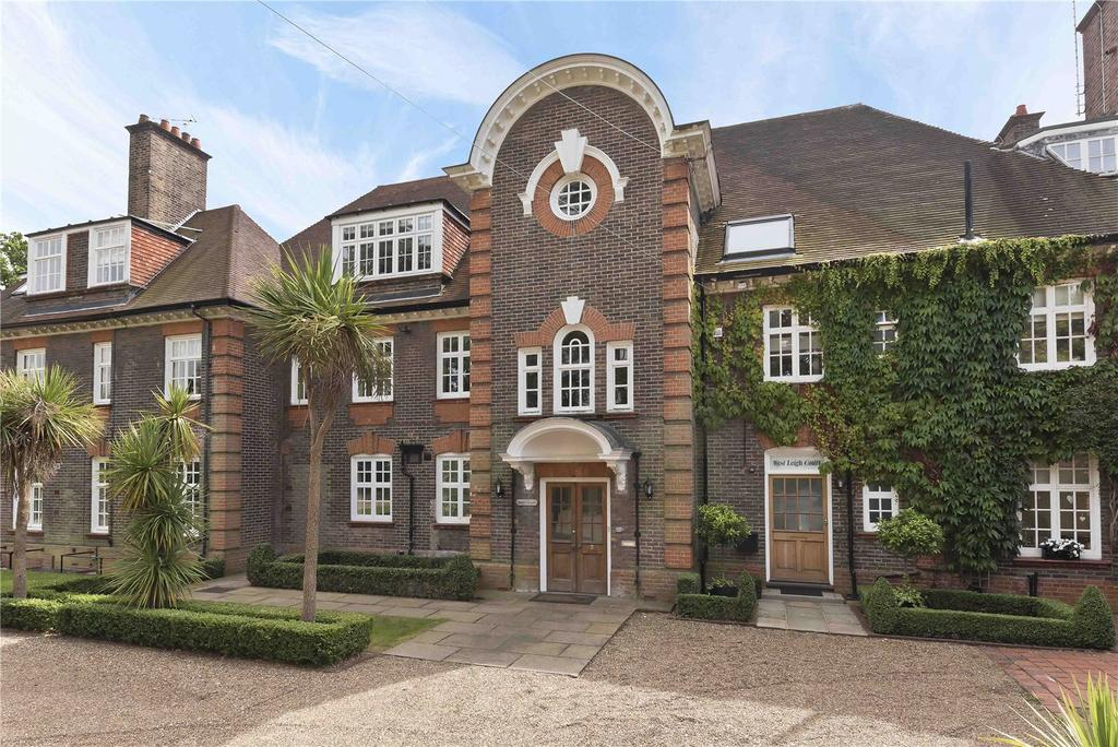 5 Bedrooms Terraced House for sale in Leigh Court Close, Cobham, Surrey, KT11