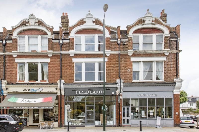 4 Bedrooms Flat for sale in Church Road, Barnes, London, SW13