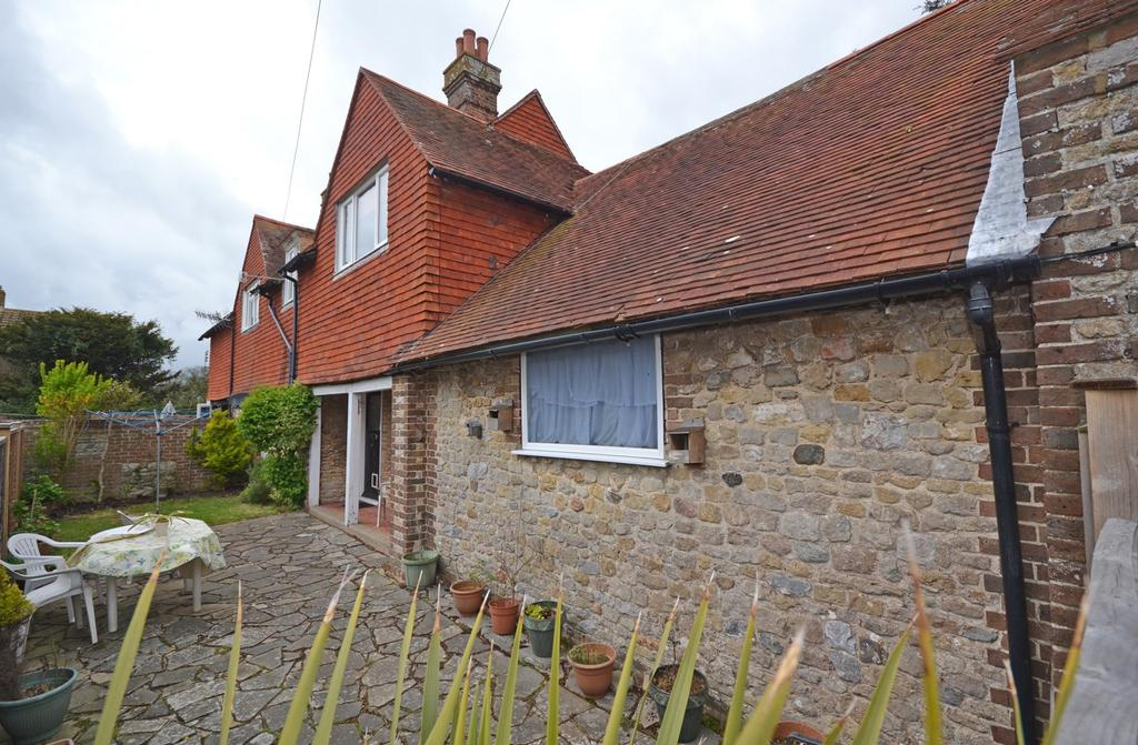 3 Bedrooms Semi Detached House for sale in Northgate Cottages, High Street, Selsey, PO20