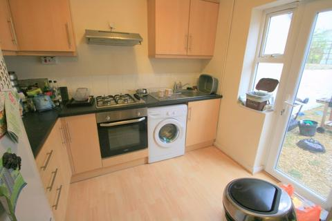 3 bedroom terraced house to rent - Melville Terrace, Bedminster, Bristol, BS3