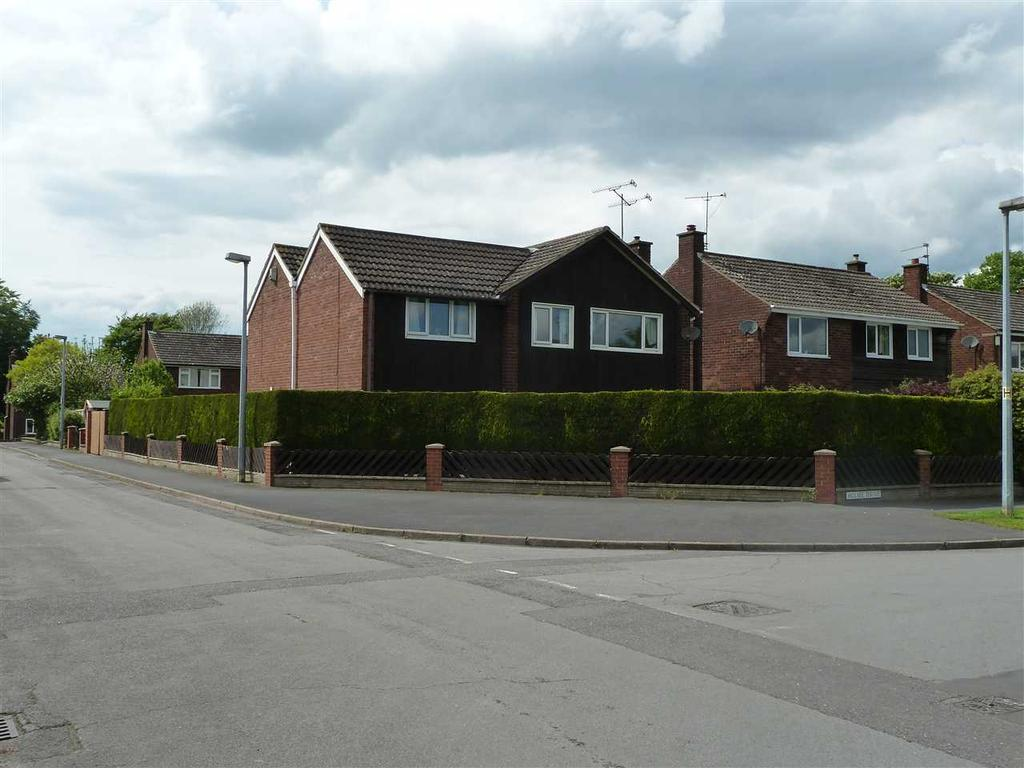 5 Bedrooms Detached House for sale in ST ANDREWS DRIVE, BURTON UPON STATHER, SCUNTHORPE