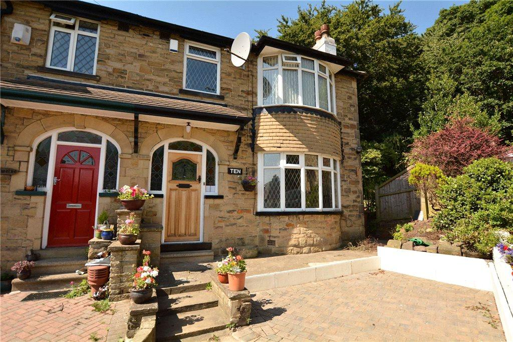 3 Bedrooms Semi Detached House for sale in Morris Avenue, Leeds