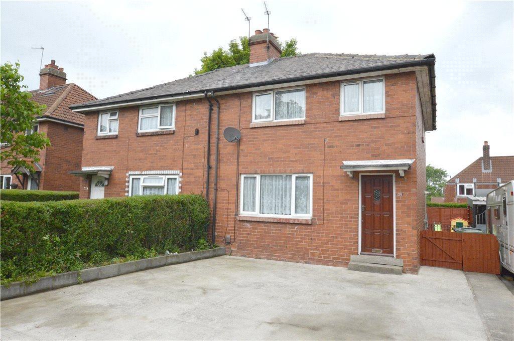 3 Bedrooms Semi Detached House for sale in Broad Lane, Bramley, Leeds