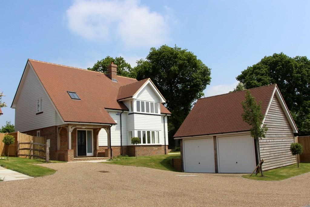 5 Bedrooms Detached House for sale in Heathfield Road, Burwash Weald