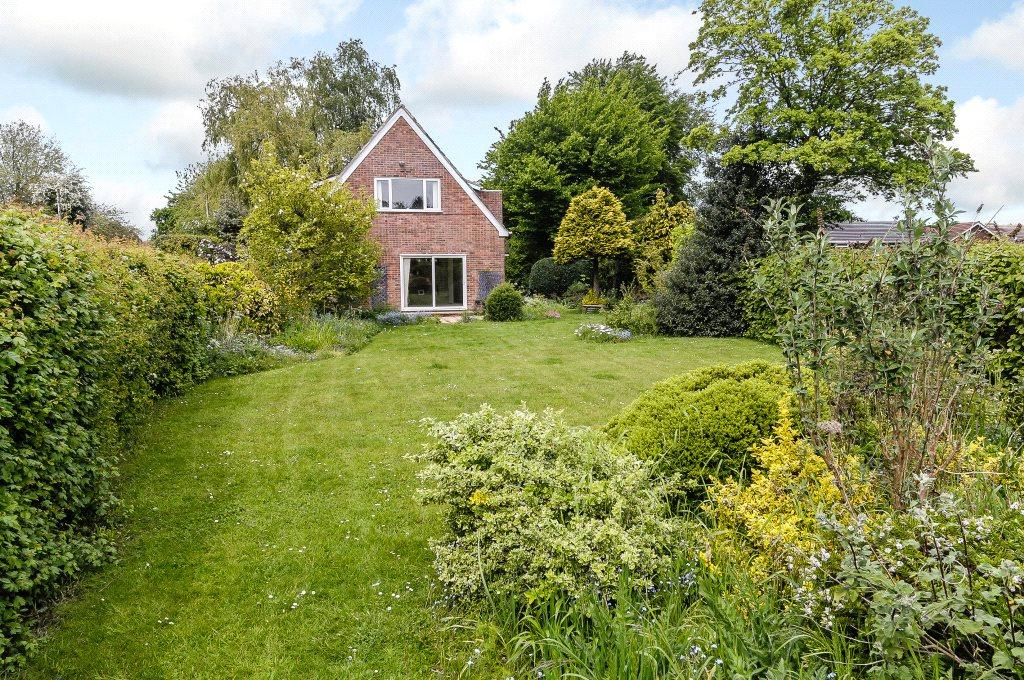 5 Bedrooms Detached House for sale in Sherborne St John, Basingstoke, Hampshire, RG24