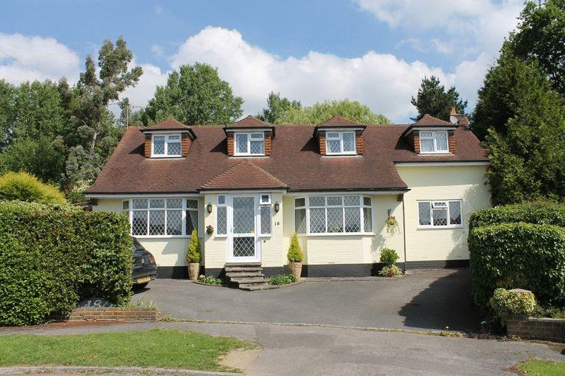 4 Bedrooms Detached House for sale in FETCHAM
