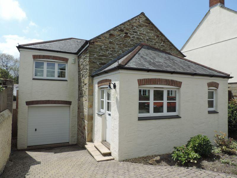 3 Bedrooms Detached House for sale in Mitchell, Newquay