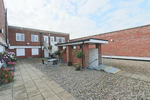 2 bedroom apartment to rent - Wallingford Street, Wantage