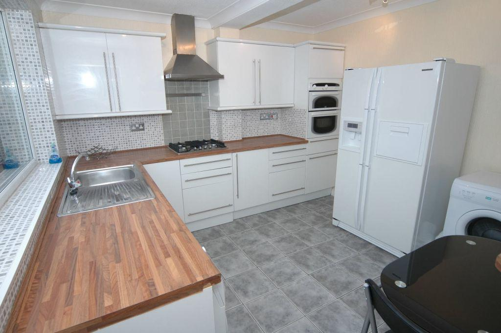 2 Bedrooms Detached House for sale in Hedon Road, East Hull