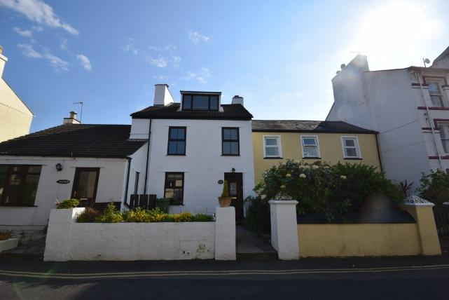 3 Bedrooms House for sale in St Mary's Road, Port Erin, IM9 6JG