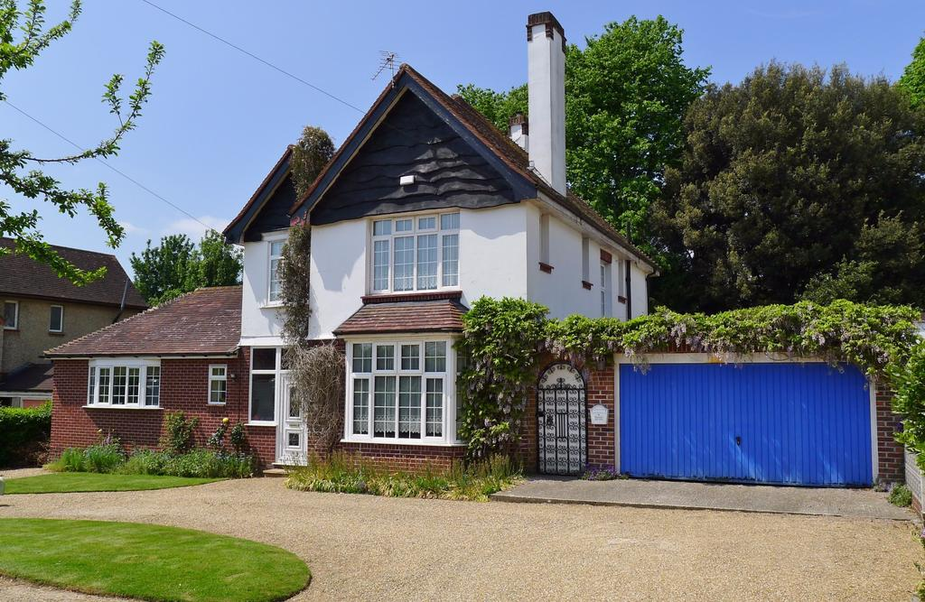 4 Bedrooms Detached House for sale in DOWN END
