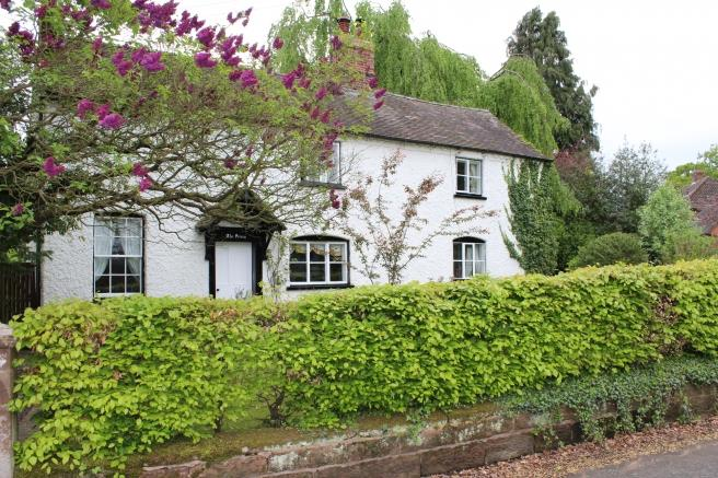 5 Bedrooms Cottage House for sale in The Priory, Newport Road, Edgmond, Newport, Shropshire, TF10 8HH