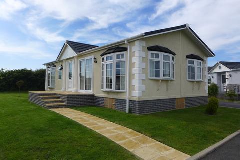 2 bedroom mobile home for sale - Scamford Park, Camrose