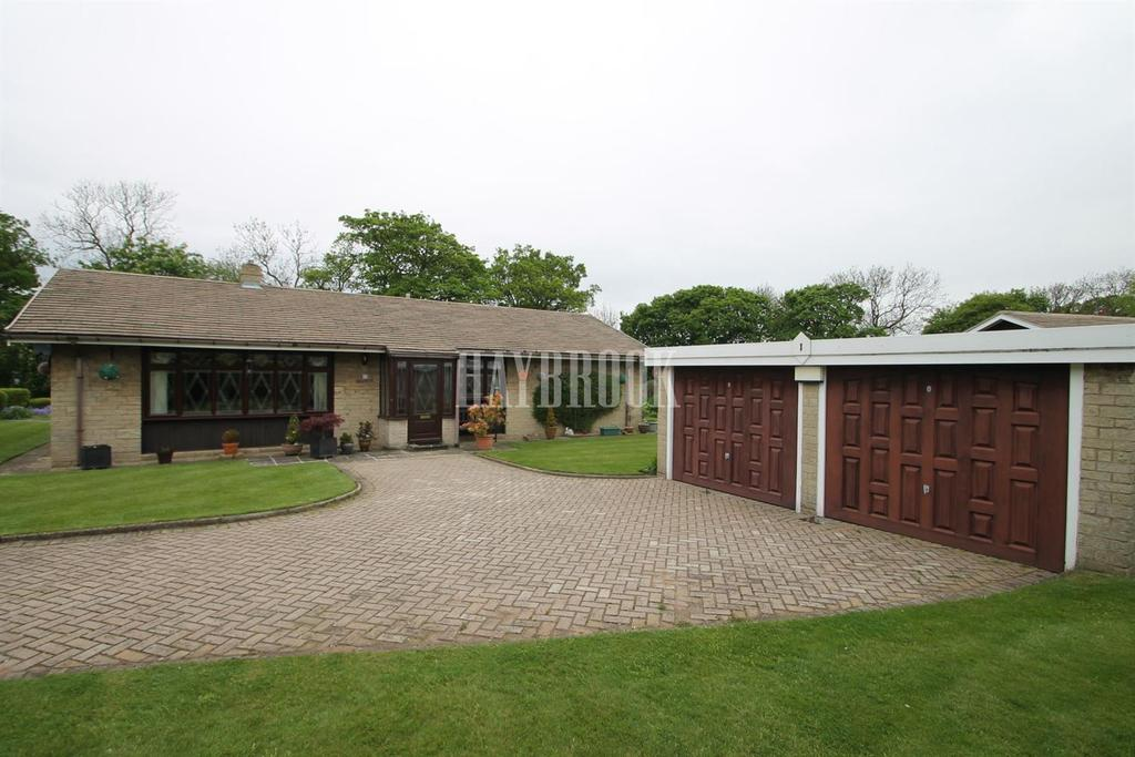 3 Bedrooms Bungalow for sale in Copper Beech Crescent, Hooton Levitt
